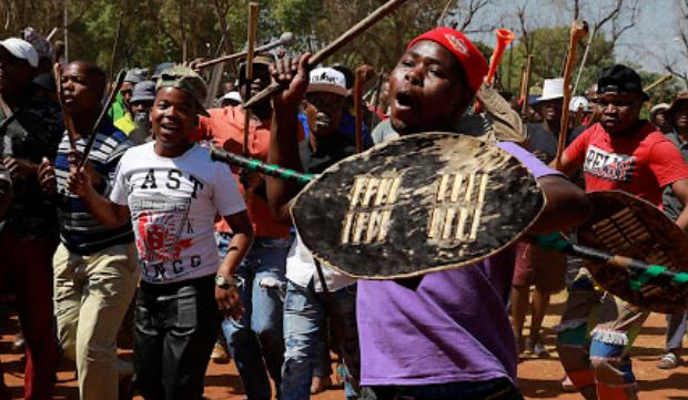 KYK | Joburg CBD-betogings eis nog twee lewens, ondanks oproepe om vrede - TimesLIVE