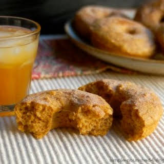 Weight Watchers Baked Apple Spice Doughnuts.