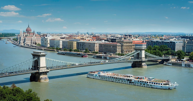 Crystal Mozart sails the Danube past the Chain Bridge in Budapest, which connects the two historic sections of the city.