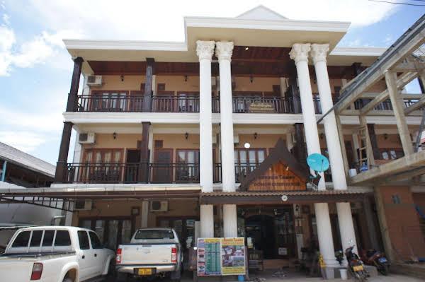 Domon Guesthouse