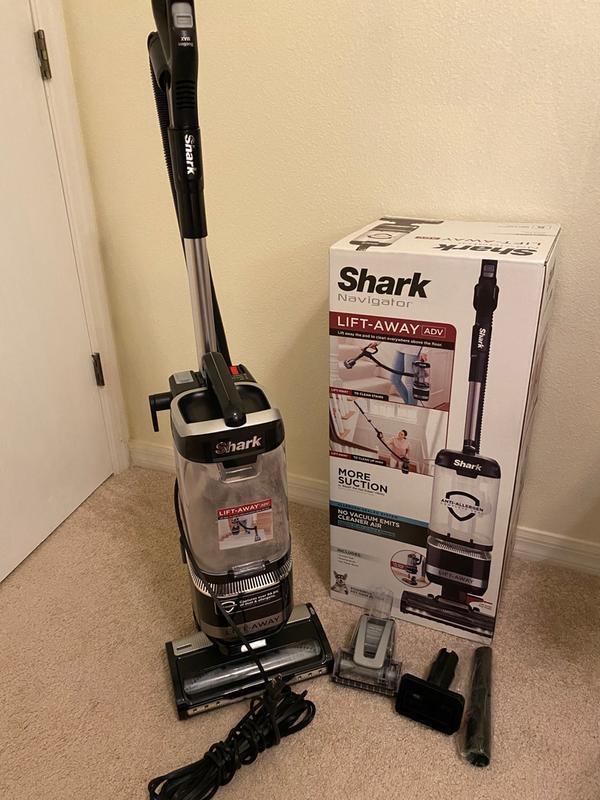 Reviews of Shark Navigator LA322 Lift-Away ADV Upright Vacuum