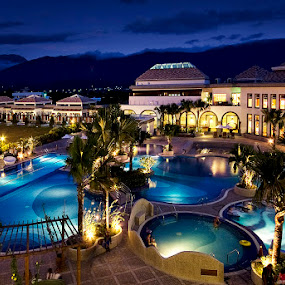 Papago International Resort – Taitung Taiwan by William Cho - Landscapes Travel ( ©williamcho2012, taiwan, papago international resort, topazlab adjust, travel, remote, retreat spa, palms, holiday, mountains, pool, hualien, taitung, resort, hotel, hot springs )