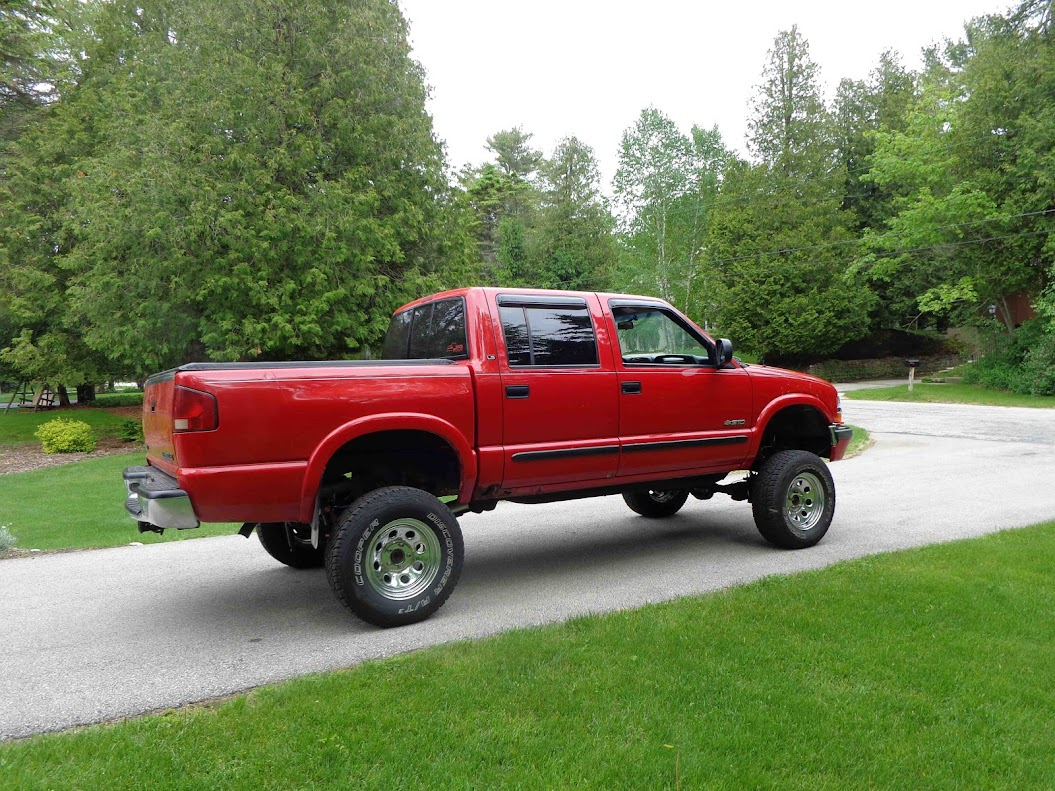 my 2001 chevy s 10 crew cab in victory red page 7 s 10 forum. Black Bedroom Furniture Sets. Home Design Ideas