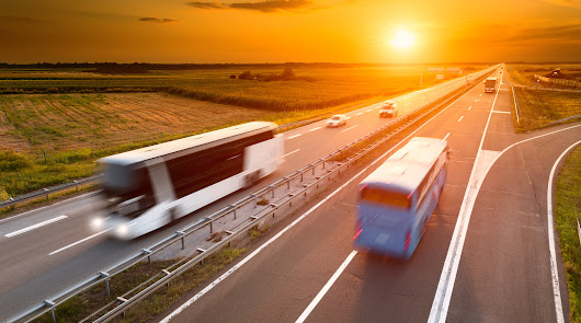 Empresas de transporte ofrecen sus autobuses para la vacunación
