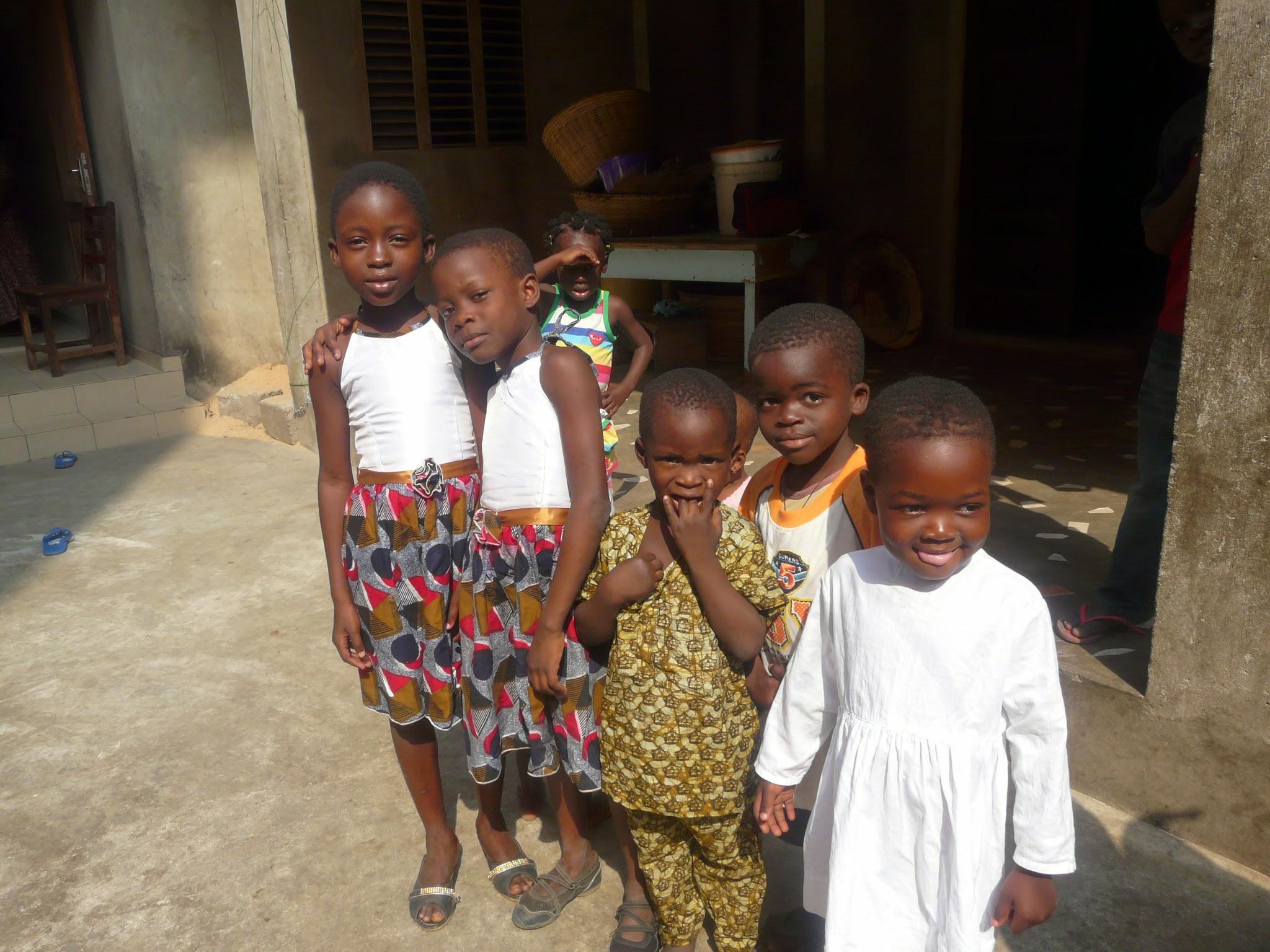 Photo: Notre habituelle 1ère visite a lieu chez Pierrette où nous retrouvons nos 3 filleules...