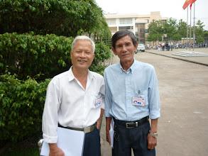 Photo: Anh Hữu Đức MS ( bạn cùng lớp với Mai , Loan) và  Anh Văn Cao (bạn cùng lớp với Khởi )