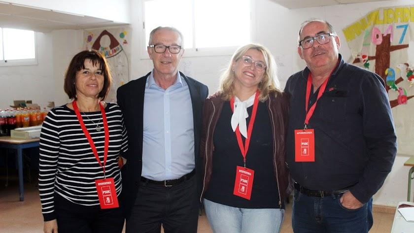 José Guirao, en Pulpí, con militantes del militantes del PSOE.