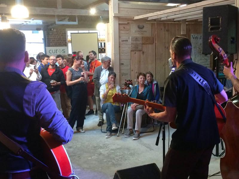 Wijn en Rockabilly: The Slick Beavers in het atelier!