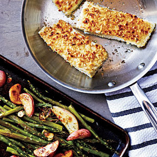 Hazelnut-Crusted Halibut with Roasted Asparagus