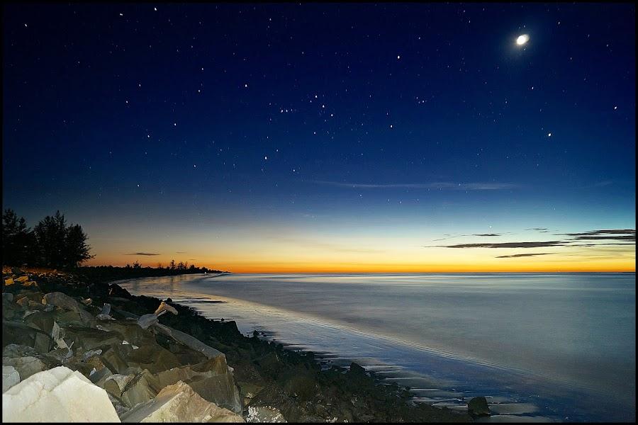 Scary Scary Night   by Muhammad Ikram Salleh - Landscapes Beaches ( mukah 96400 sarawak, muhammad ikram salleh )