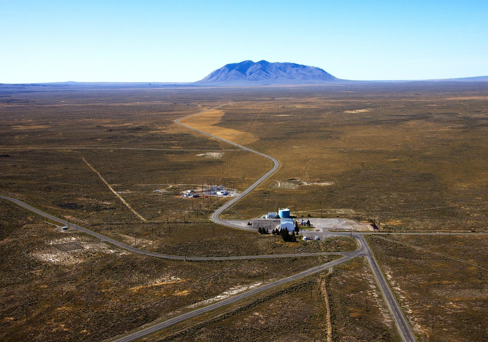 Электрическая подстанция в национальных лабораториях Айдахо, на испытательном полигоне площадью 2300 кв.км.