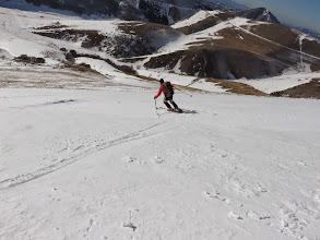 Photo: Chiudiamo gli scarponi e jo. Serpentine su neve fantastica.    In alto alle 13 è ancora dura.