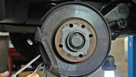 What is a bearing on a car and when should we repair it?