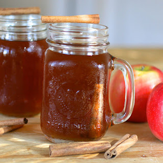 How to Make Apple Pie Moonshine.