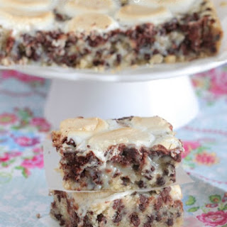 Marshmallow Chocolate Chip Shortbread Magic Bars.