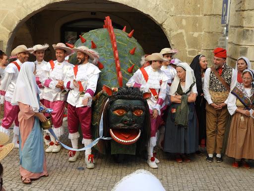 タラスク祭り二日目パレード