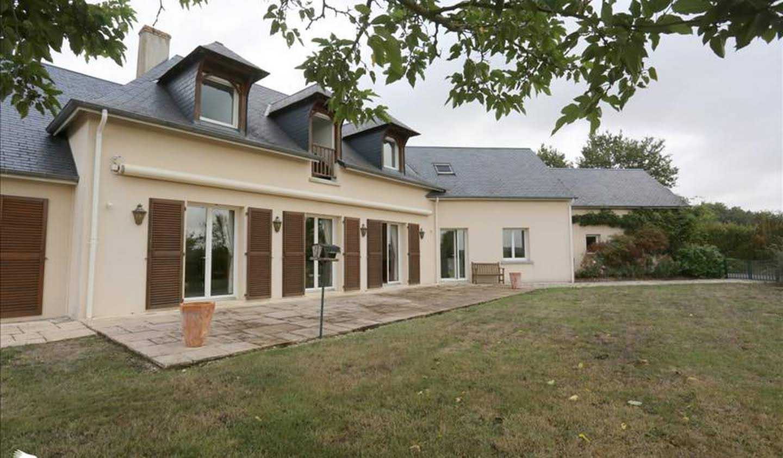 Maison Neuillé-le-Lierre