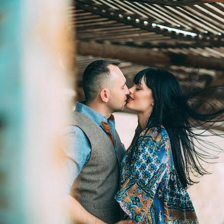 Wedding photographer Karina Popova (Lavinia). Photo of 17.11.2016