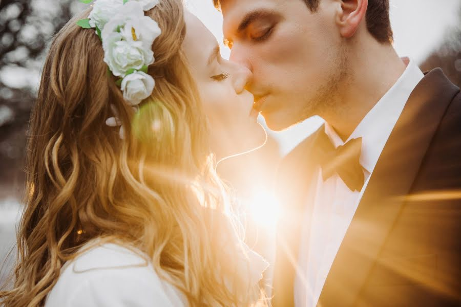 Wedding photographer Denis Zuev (deniszuev). Photo of 06.02.2017