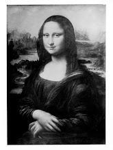 Photo: Paris, France - Circa 1504: Monalisa: Leonardo di ser Piero da Vinci. Currently owned by the Government of France and on display at Musée du Louvre. This image is from a glass plate photo taken in 1912.