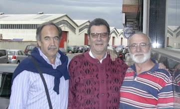 """Photo: 24/5/2007-Reencuentro en Trobajo del Camino (León). Josemari Cortés, Vicente Suarez Alvarez y Angel Díez Martínez """"Angelillo""""."""
