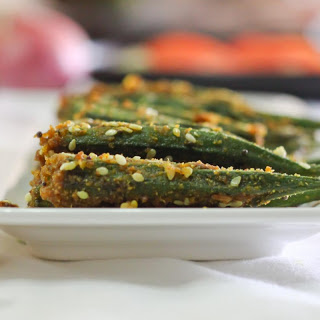 Bharva Bhindi Recipe (Pan Fried Stuffed Okra with Spices & Peanuts )