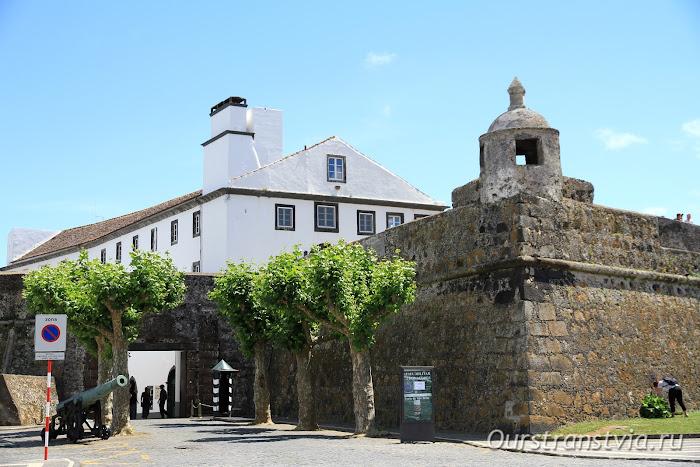 Крепость в Понта Делгада, остров Сан Мигель