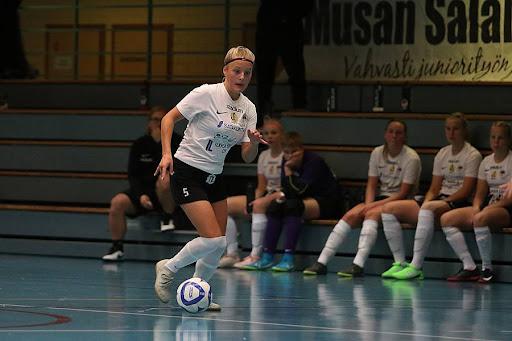 Jasmin Ylikraka oli tänään pelipäällä. Kuva: Kari Saha / Urheilusuomi.com