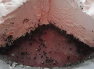 Peppermint Bark Cheesecake Pie