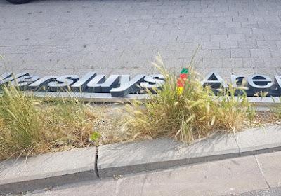 "L'inscription ""Versluys Arena"" retirée du stade, Ostende accuse le groupe"