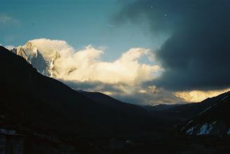 Photo: Auch der Lhotse verabschiedet sich zur Nachtruhe