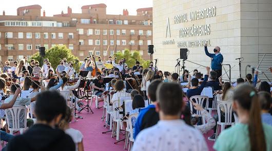 Almería dedica el Día de Europa a los sanitarios con el 'Himno de la Alegría'