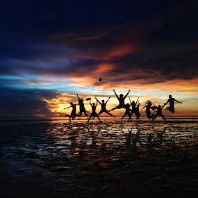 Life is a Beach! by Dickson   Shia - People Street & Candids ( silhouette, sunset, beach, , #GARYFONGDRAMATICLIGHT, #WTFBOBDAVIS )