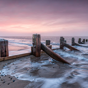 Spurn dawn by Ian Pinn - Landscapes Waterscapes ( clouds, point, sky, dawn, yorkshire, spurn, wave, sunrise,  )