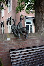 Photo: Nieuwveens sculptuur met hoog Winny the Pooh-gehalte