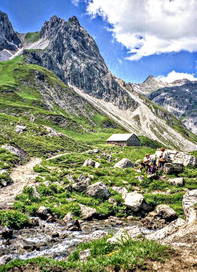 Douglasshütte Lünerseebahn Lünersee einfache Wanderung Vorarlberg Rätikon
