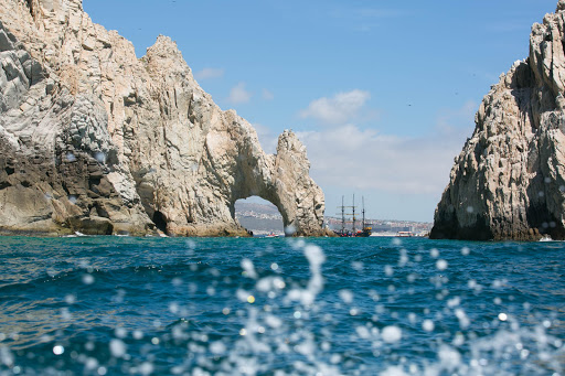 Los Archos seen from north.jpg - El Arco (The Arch) in Cabo, seen from the north.