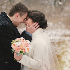 Wedding photographer Tatyana Kovaleva (TatyanaK). Photo of 19.12.2014