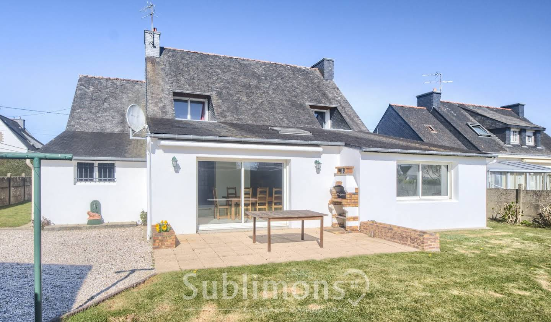 Maison avec terrasse Plescop