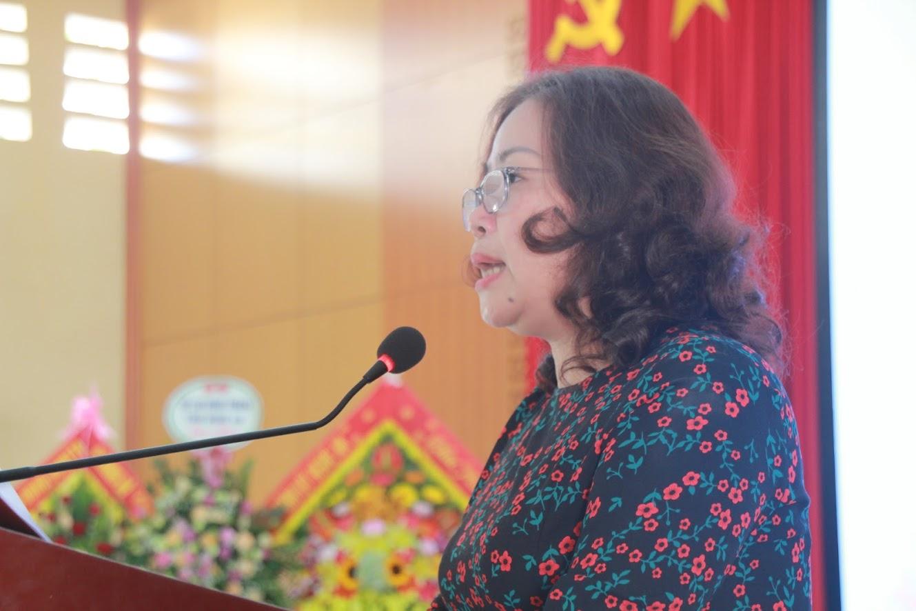 Đồng chí Nguyễn Thị Thu Hường - Ủy viên Ban Thường vụ Tỉnh ủy, Trưởng BanTuyên giáo Tỉnh ủy phát biểu tại buổi lễ