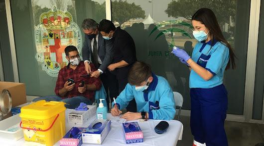 170.000 almerienses: el objetivo de Salud para las vacunas en abril