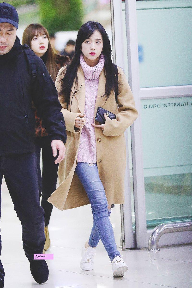 Jisoo-Fashion-1