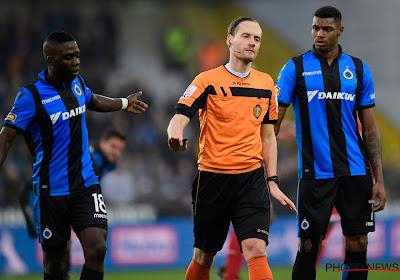 Emile Heskey lovend over Wesley (ex-Club Brugge) bij Villa