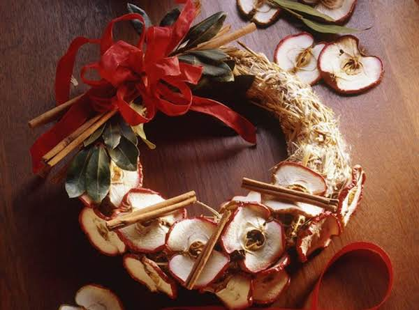 Cinnamon Apple Wreath