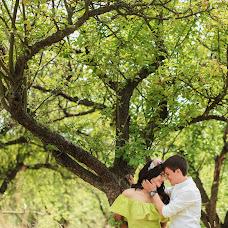 Wedding photographer Alisa Pirogova (alisinka). Photo of 03.08.2015