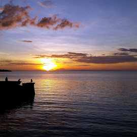 Leyte Island Sunset, Phillipines by Paul Gallaher - Instagram & Mobile Android