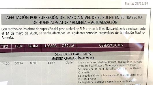 Parte superior del cartel informativo que ha colocado Renfe en la Estación Intermodal de Almería.