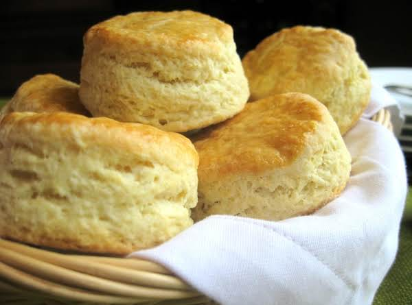 Nona's Buttermilk Biscuits