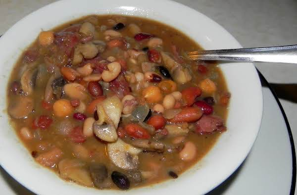 15 Bean, Beer And Ham Soup