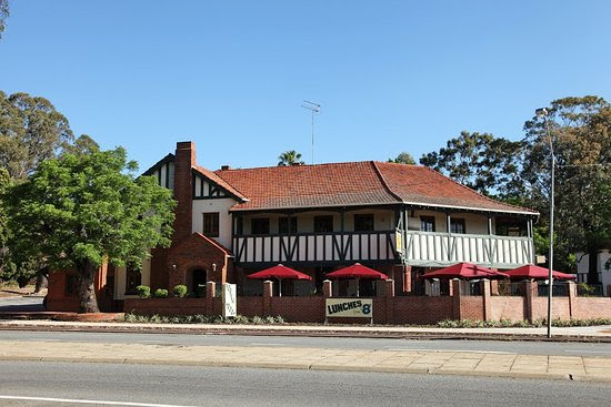 Ye Olde Narrogin Inne, 2 South Western Hwy Armadale